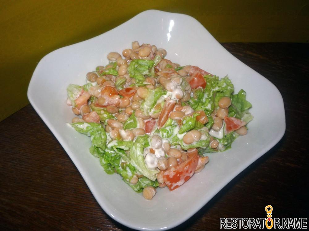 салат с консервированной фасолью легкий
