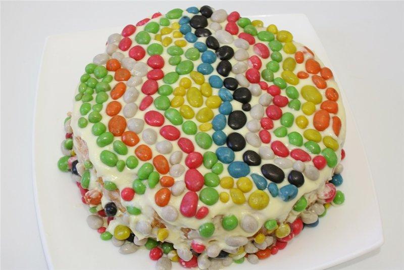 украшаем торд конфетами