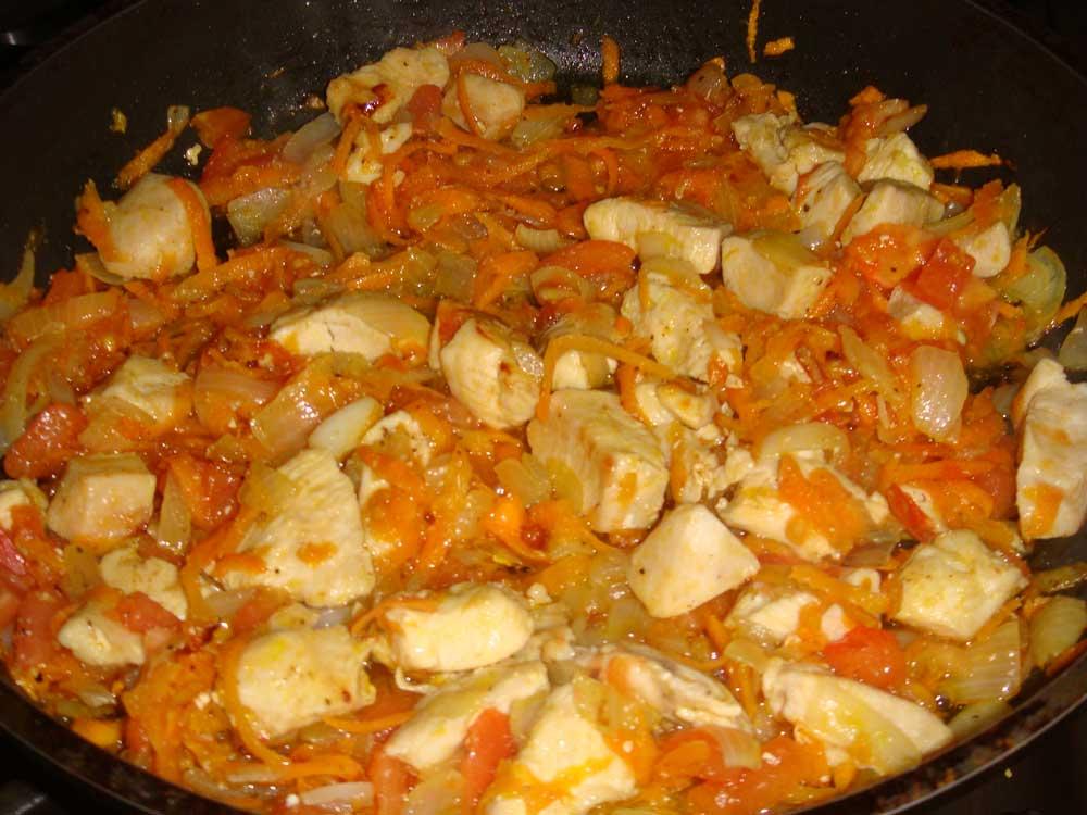 добавить к курице помидоры