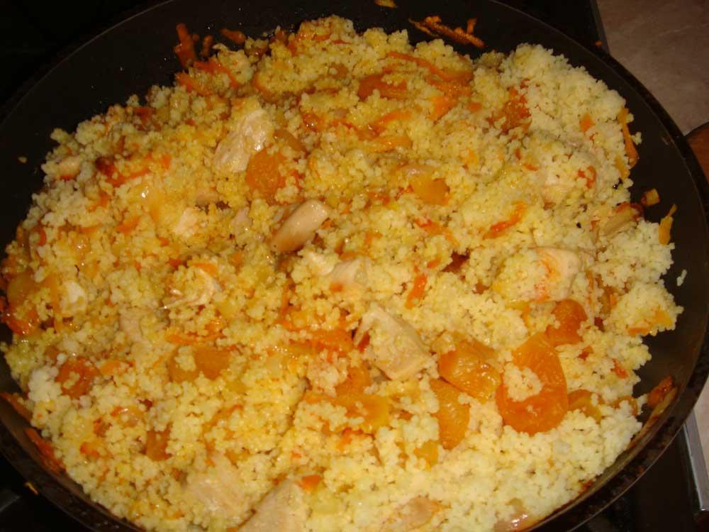 добавить кускус к курице и овощам