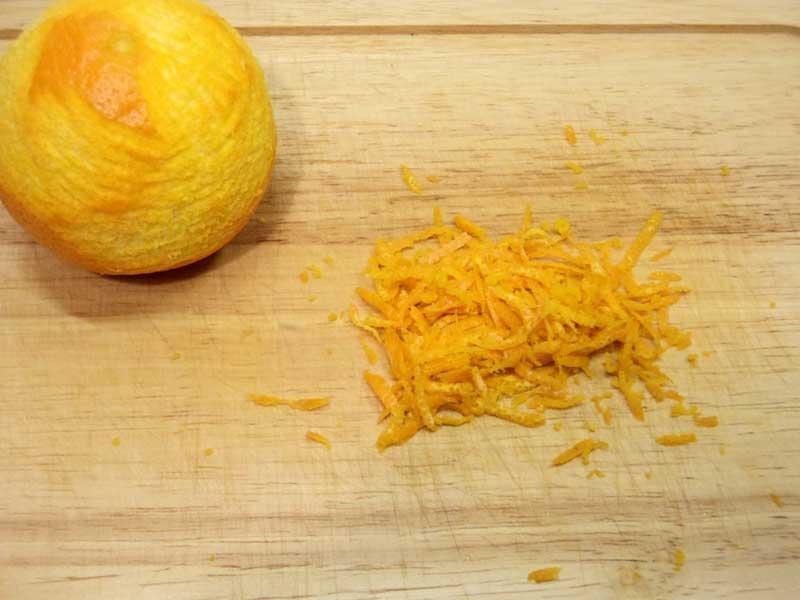 Натереть цедру лимона