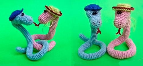 Вязанная змея