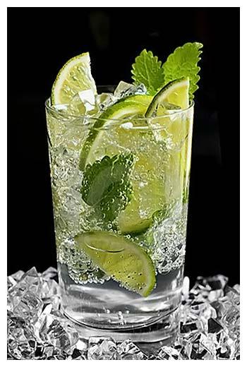 Помимо алкогольного мохито, существует и безалкогольный.
