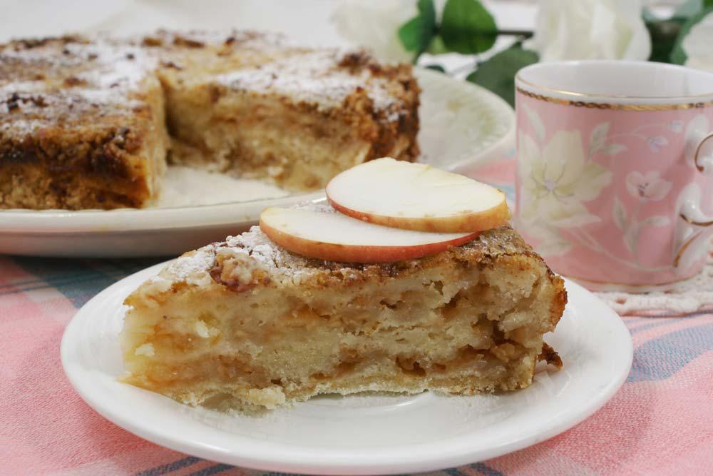 Болгарский яблочный насыпной пирог