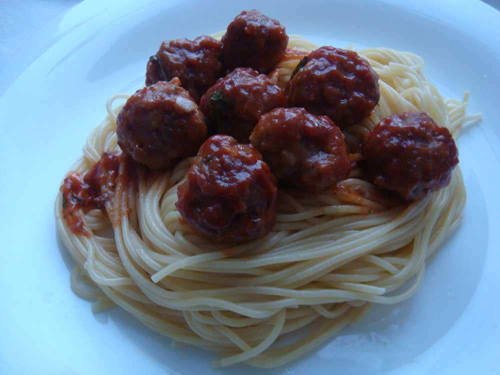 отварить к тефтелям спагетти